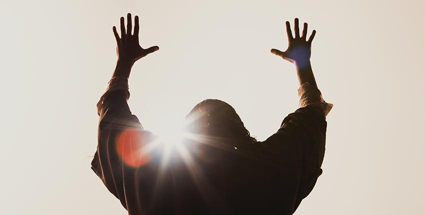 4 raisons pour lesquelles Jésus est resté Dieu en venant sur terre